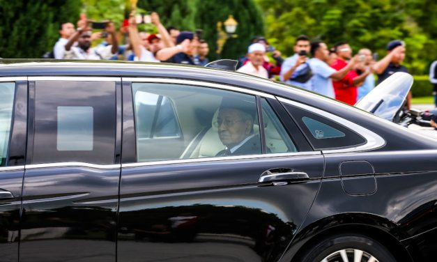 25 February 2020: Dr M now interim PM; Pakatan ministers removed